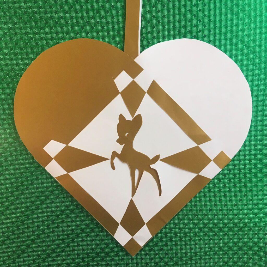 Flettet julehjerte med bambi